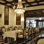 オランダの植民地時代を彷彿とさせる高級ジャワ王宮料理レストラン|ジャカルタ