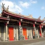 ビジネス街に位置する商売の神様「行天宮」|台北