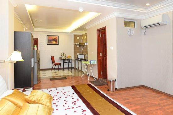 hotel-grand-united-ahlone