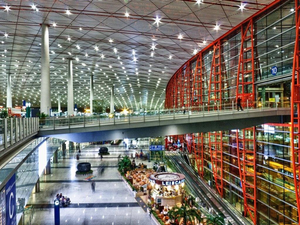 出典:http://xpatnation.co/10-amazing-airports-from-around-the-world/#.b49f81X2j