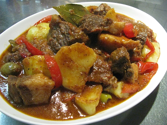 フィリピン 料理 カルデレータ
